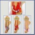 neuveden: Náramek na nohu s barevnými korálky a střapci